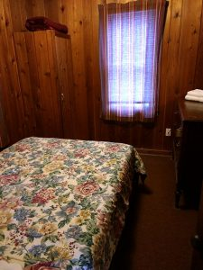 North Twin Lake cabin 1 bedroom 2.
