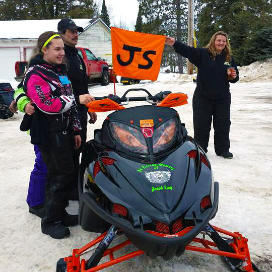 blindfold-snowmobile-scholarship-race
